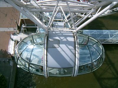 Vue plongeante du Big Eye (Londres, 1 juillet 2005)