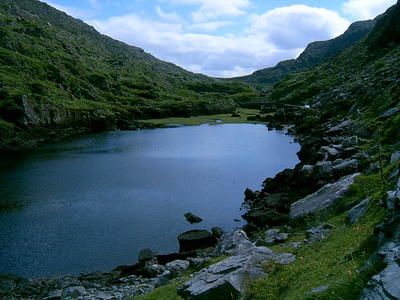 Lac sur le chemin du Gap of Dunloe (Ring of Kerry, 2 août 2005)